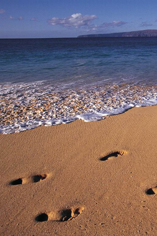 iPhone-Beach-Footprints-background-iPhone-Wallpaper