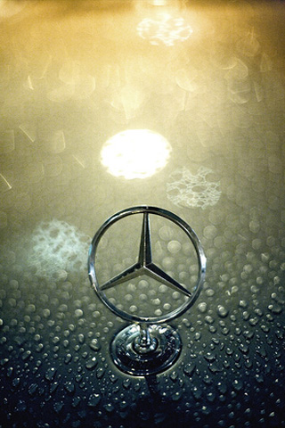 iPhone-Mercedes-Benz-Logo-background-iPhone-wallpaper