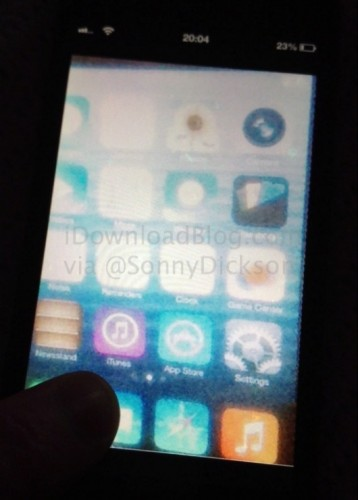 iOS-7-Home-screen-leak_wm-530x740