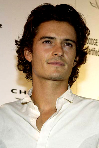 m9-iPhone-Orlando-Bloom-background-iPhone-wallpaper-