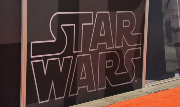 _Star_Wars__Episode_VII_le_18_décembre_2015_Info_iDevice