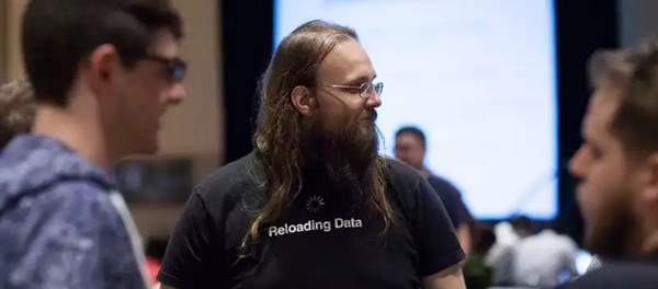 Saurik Jay Freeman dev cydia jailbreakcon-infoidevice
