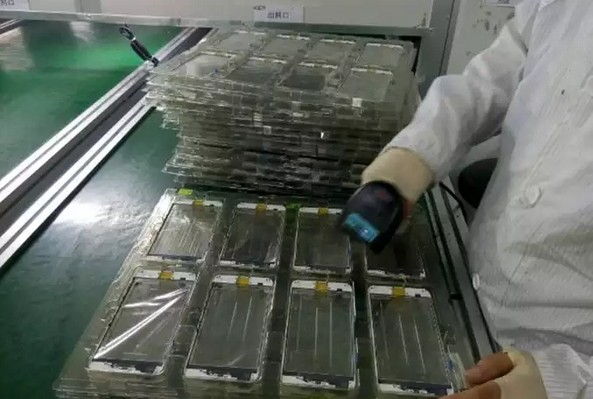 production ecran iphone 6s plus-infoidevice