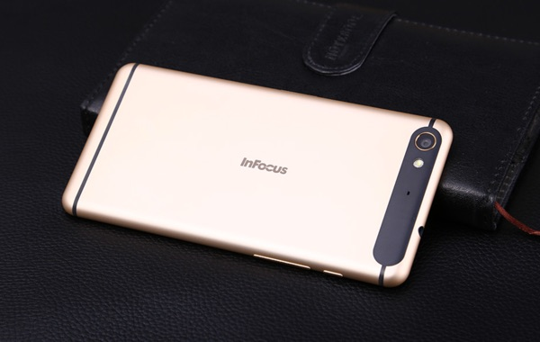 appareil photo infocus m560-infoidevice