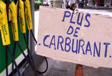 eviter penurie carburant et panne seche-infoidevice
