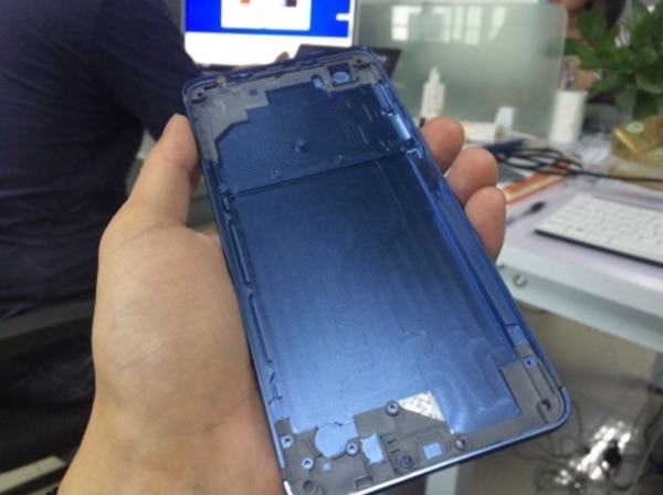 coque vernee mars bleue-infoidevice
