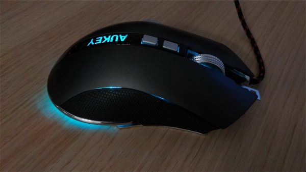 led bleu souris gamer aukey infoidevice