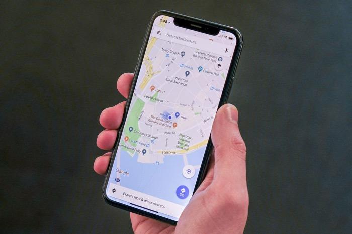 google maps affiche limite de vitesse et radars