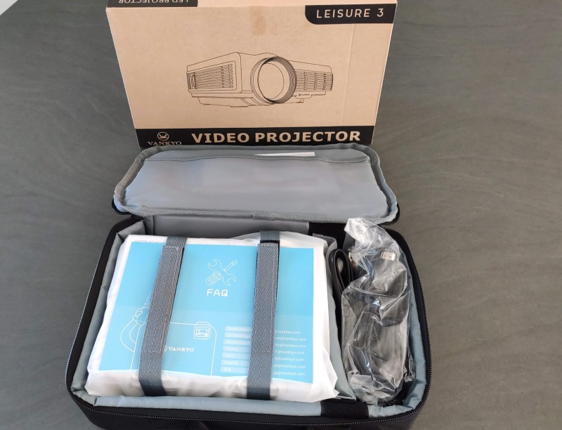 Deballage Projecteur Vankyo Leisure 3