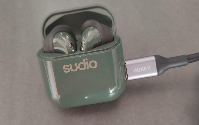 recharge boitier ecouteurs sudio nio vert